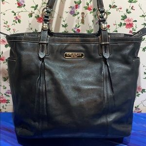 Coach Classic Large Leather Shoulder Bag